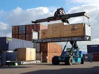 Containers behandelen tegen insecten